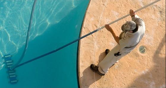 Top-5-sfaturi-pentru-intretinerea-piscinei