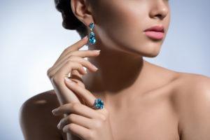 Cum alegi bijuteriile de la Tricia Design?