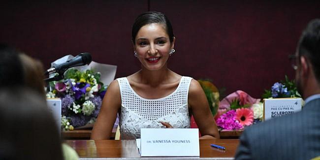 Cine este Vanessa Youness Amal?
